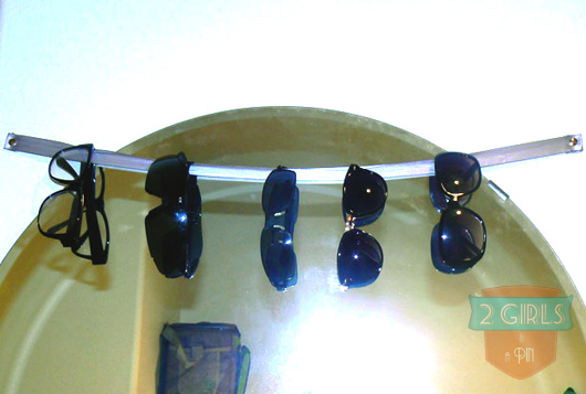 2 girls and a pin - Quick & Easy DIY: Organized sunglasses
